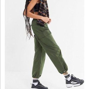 Urban Outfitters Olive Lara High Rise Cargo Pant L